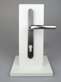 Kování s úzkým štítkem Tokyo, klika-klika, 8/92mm, 67-72mm, F9 titan