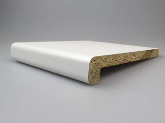 Vnitřní parapet dřevotřískový CPL 18/36 bílá 150mm