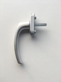 Okenní klika Country 1006, čtyřhran 35mm, aretace 45°, čep 10mm, stříbrná, šrouby M5x45